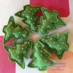 Addobbi natalizi fai da te: pattern per alberelli in feltro
