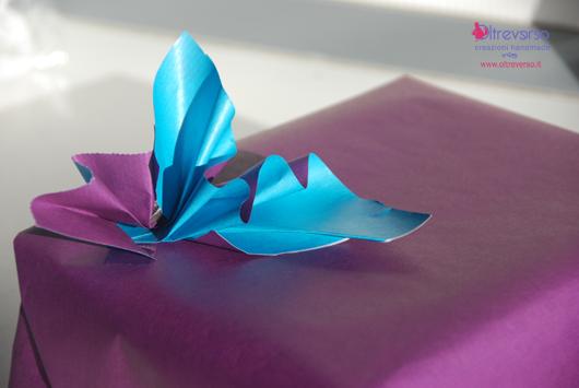 pacco_regalo_fiocco_carta_bicolore1