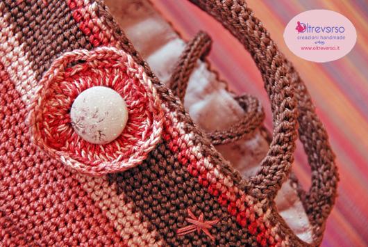 borsa_uncinetto_pattern_crochetbag_IsabelleKessedjian+maniglie_tricottino+bottonestoffa_oltreverso