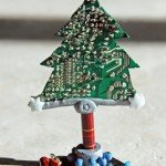alberodinatale_christmastree_ricicloschedeelettroniche_computerrecycling_motosaw_dremel_9