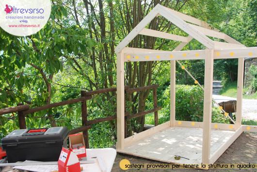 Una casetta per i bambini fai da te in giardino il tutorial della struttura - Mattonato per giardino ...