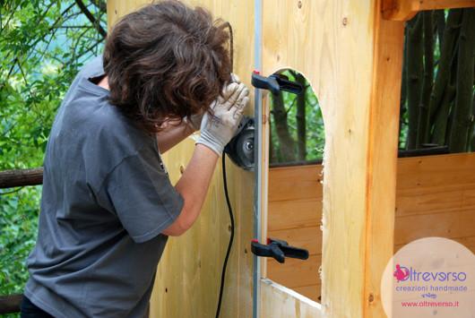 Porte e finestre della casetta per i bambini fai da te in - Costruire una finestra in legno fai da te ...