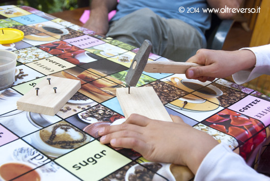 giochi-bambini-legno-martello-chiodi-wooden-plays