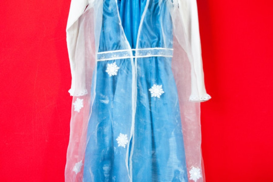 Frozen: il vestito di Elsa fai-da-te da una maglietta e una sottoveste
