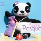 Panda crochet all'uncinetto dal pattern gratuito di Airali con tasca porta ovetti di Pasqua
