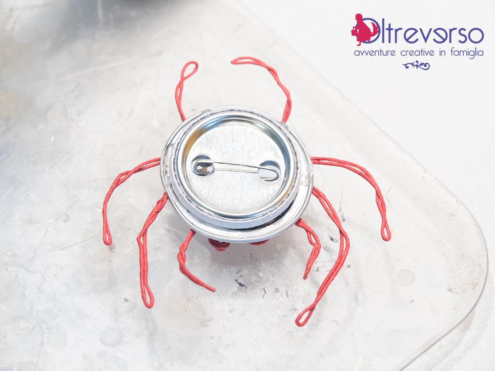 tutorial per ragno di Halloween realizzato riciclando le capsule del caffè nespresso - 4