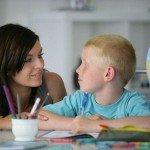mammafelice una madre insegna geografia al figlio