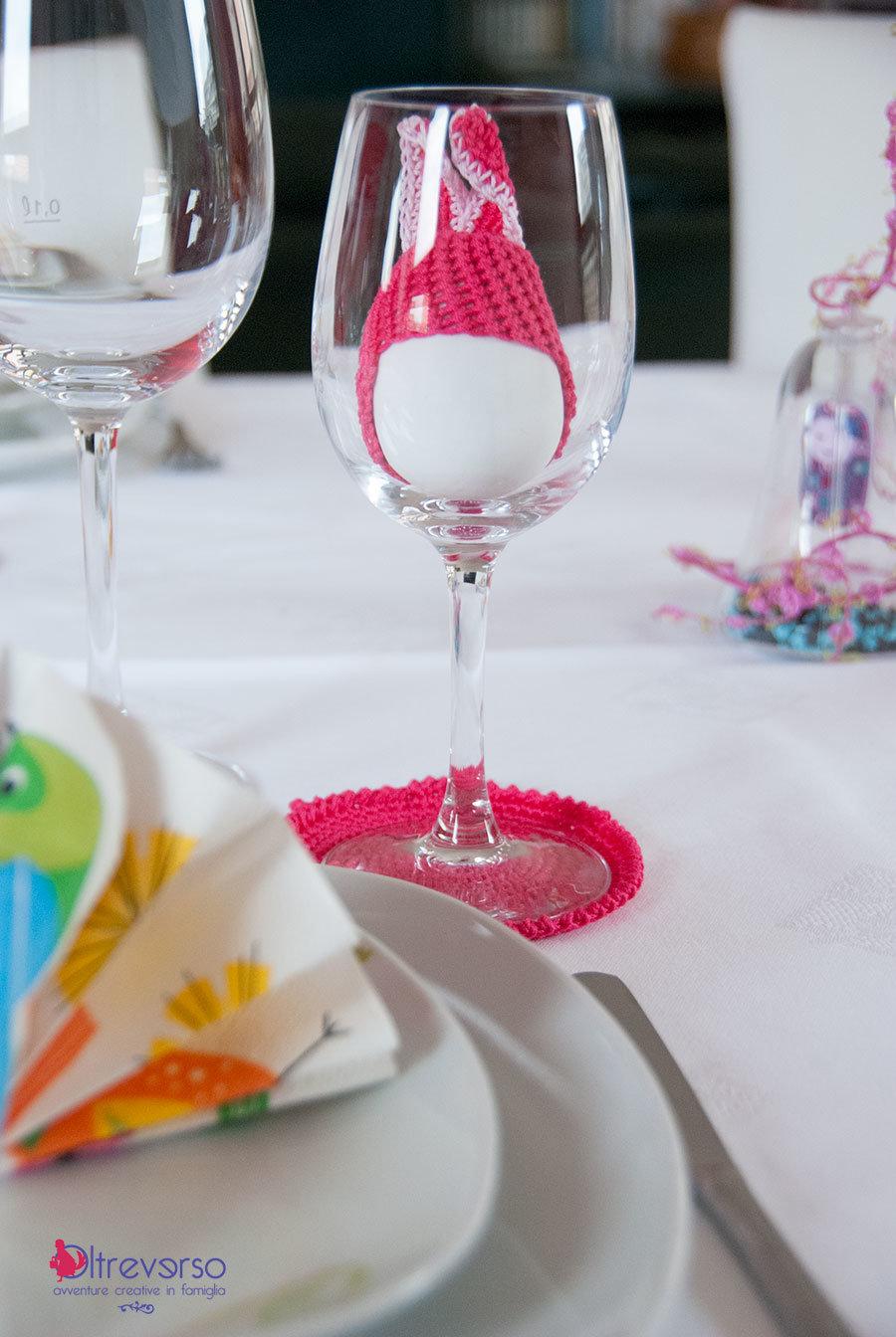 uova di pasqua sulla tavola