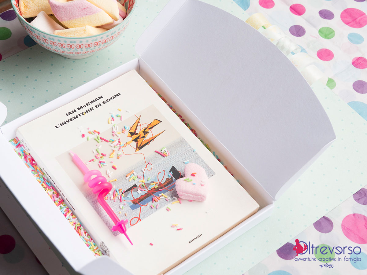 Scatole di cartone libro regalo