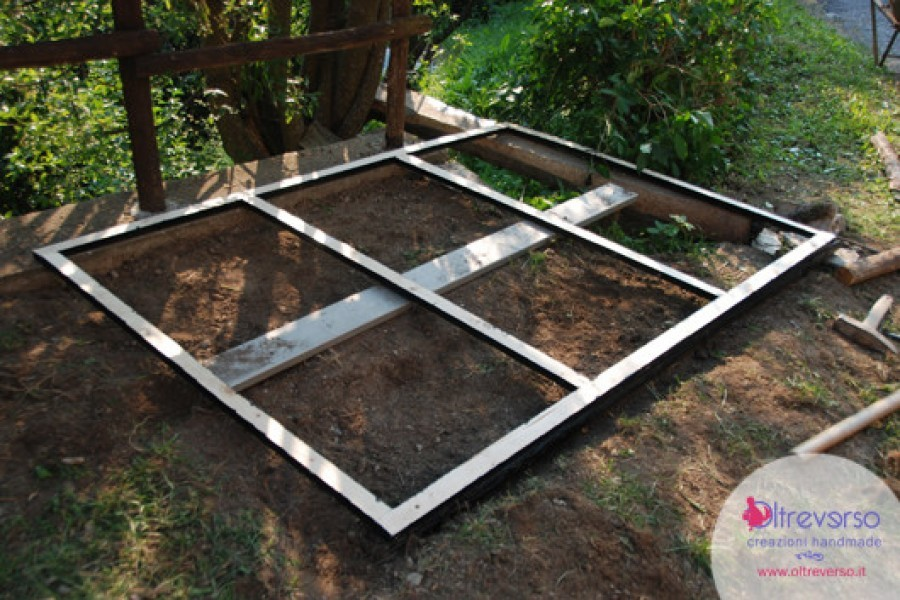 Come costruire in giardino una casetta per i bambini fai-da-te: il pavimento