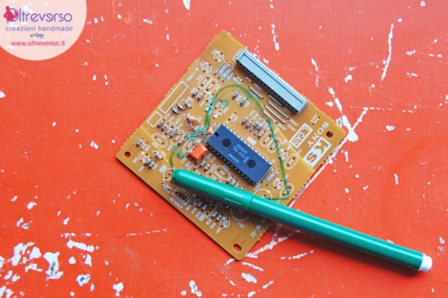 Aspettando #Natalefaidame #Dremel: riciclare le schede elettroniche con il moto-saw