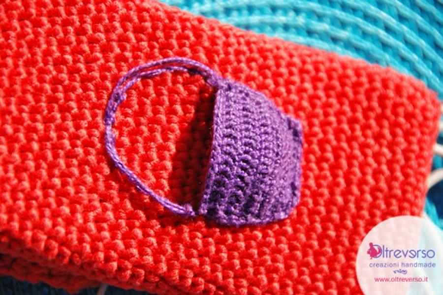 Cappuccetto Rosso e la cover a crochet per l'iphone e lo smartphone, ma senza la coda