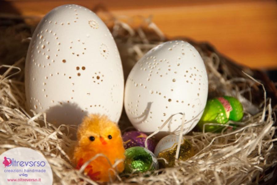 Traforare e decorare le uova d'oca per Pasqua con il mini-trapano