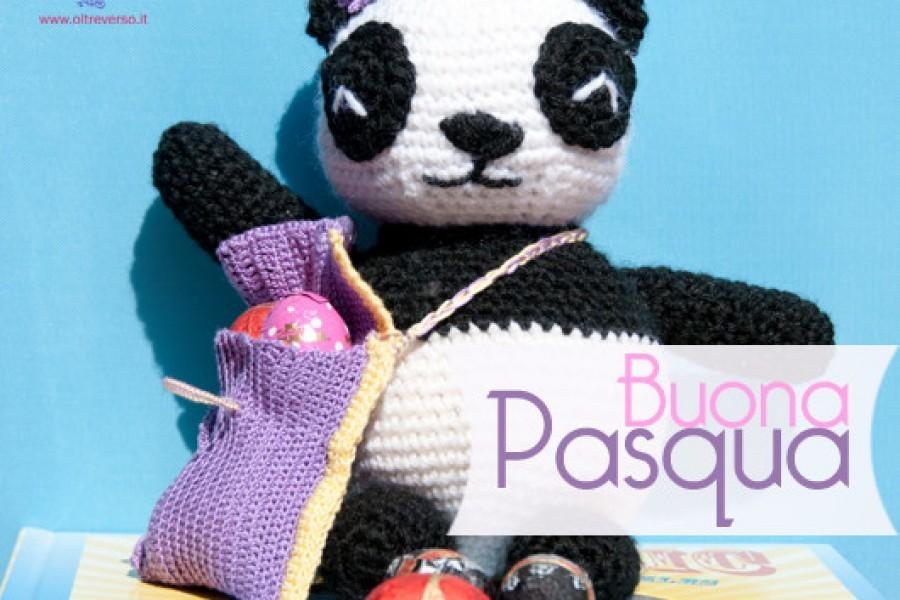 Lulù, mamma Panda all'uncinetto con borsa porta ovetti di Pasqua