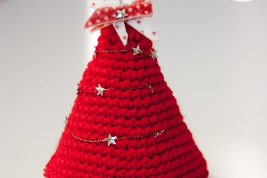Alberi di Natale all'uncinetto con il pattern free di Airali