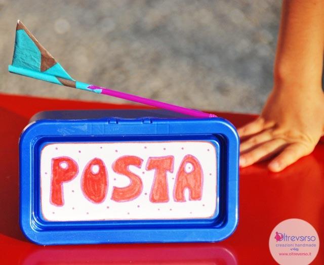 cassetta della posta americana con bandierina per bambini