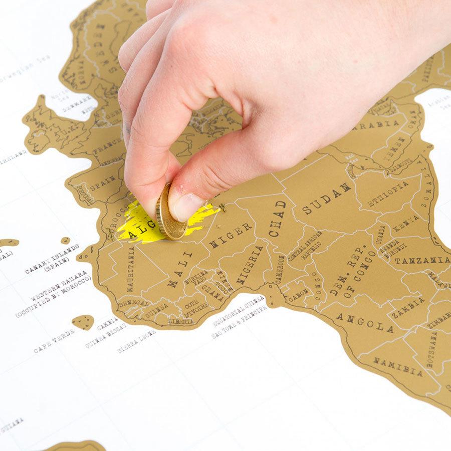 idee regalo per la festa del papà cartina geografica da grattare