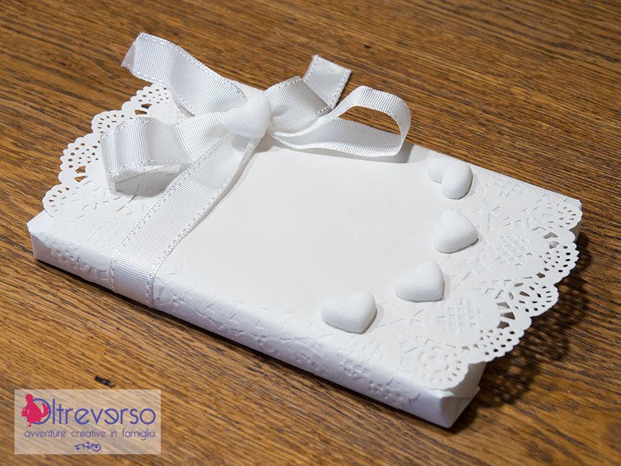 pacco regalo bianco per auguri di matrimonio
