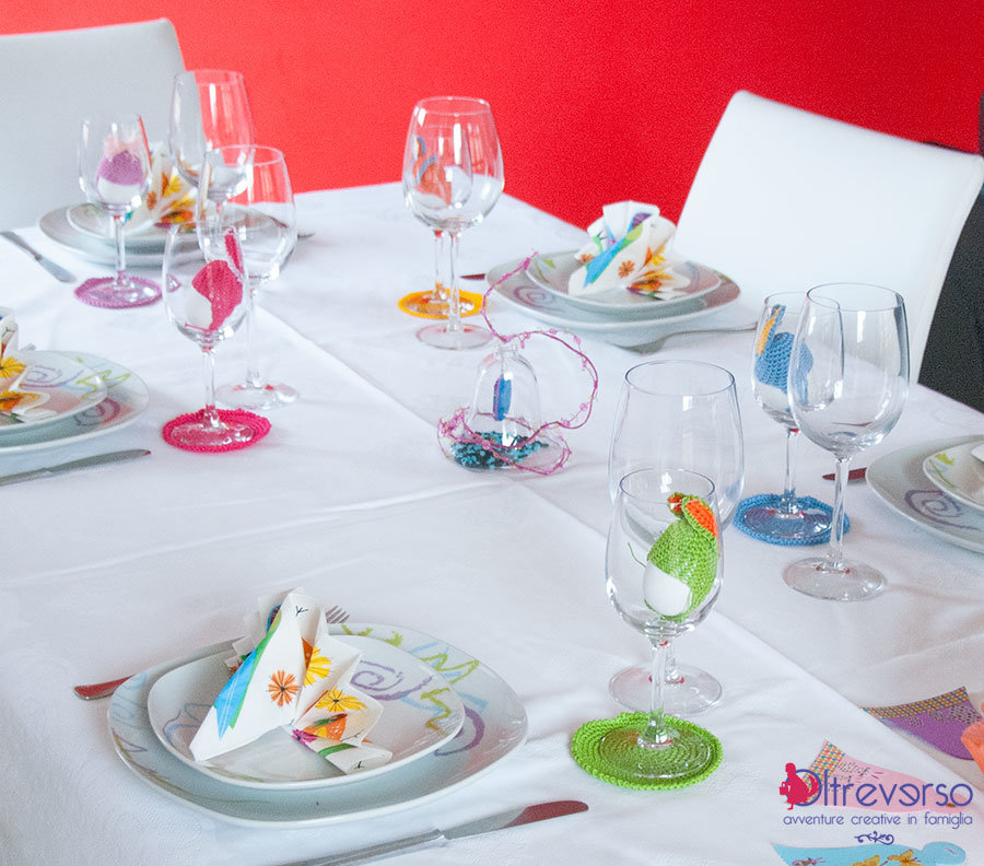 La tavola di pasqua con conigli all 39 uncinetto e uova - La tavola di melusinda ...